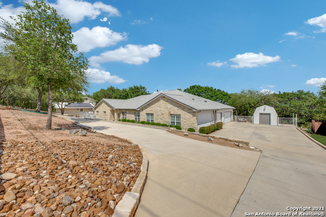 9810 Scenic Hills Dr Property Picture 3