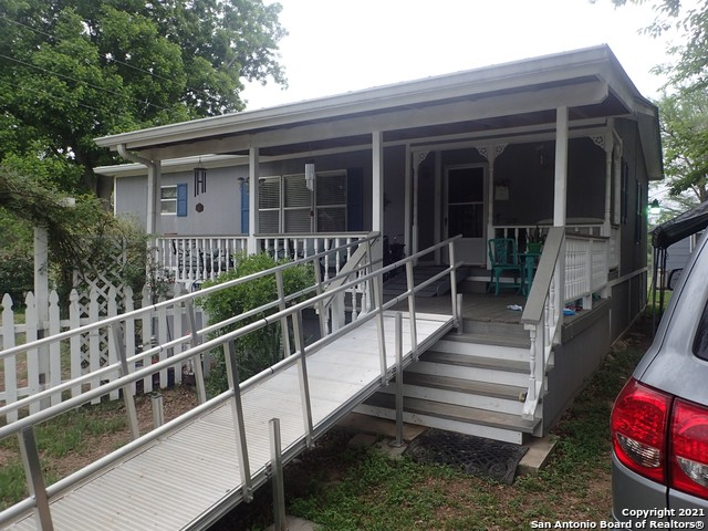 1590 Alamo Beach Rd Property Photo 1
