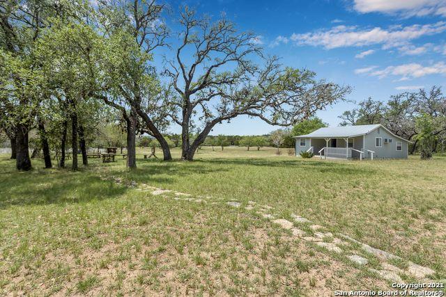 443 Oak Hills Rd Property Photo 1