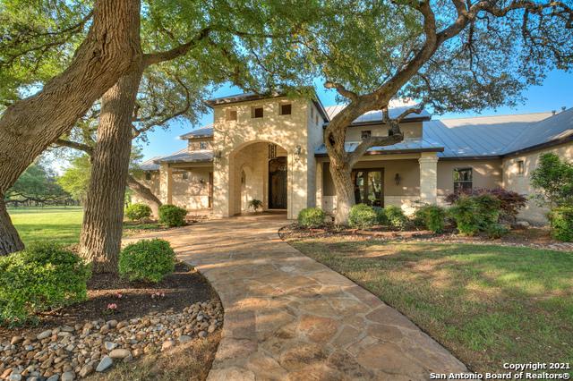 22720 Hanging Oak Property Photo 1