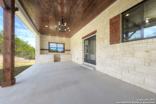 230 FLANDERS Property Picture 20