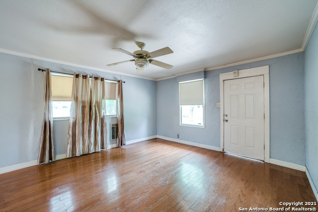203 Altgelt Ave Property Photo 5
