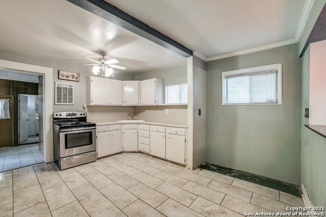 203 Altgelt Ave Property Photo 10