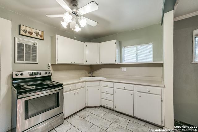 203 Altgelt Ave Property Photo 11