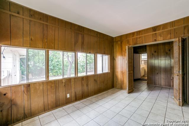 203 Altgelt Ave Property Photo 18