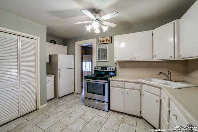 203 Altgelt Ave Property Photo 27