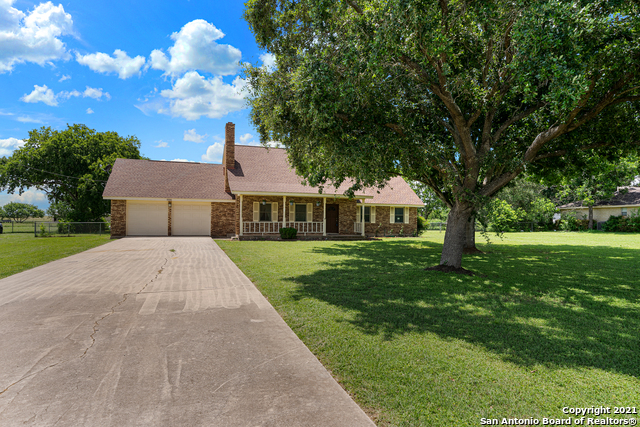 4929 BECK RD Property Photo 1