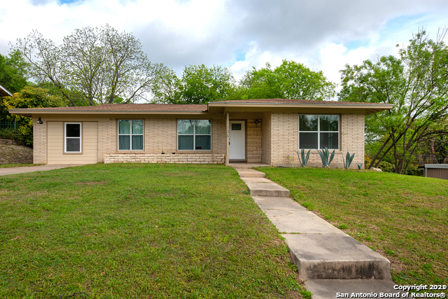 135 Shadow Hill Dr Property Photo 2