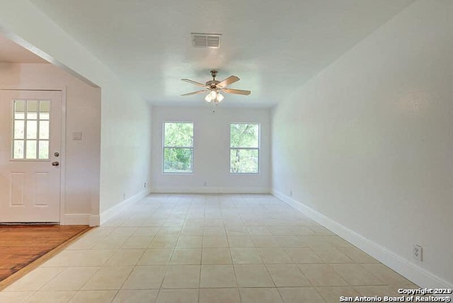 135 Shadow Hill Dr Property Photo 5