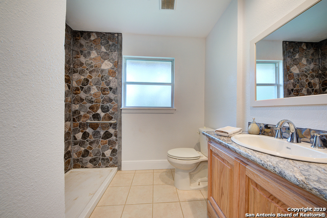 135 Shadow Hill Dr Property Photo 17