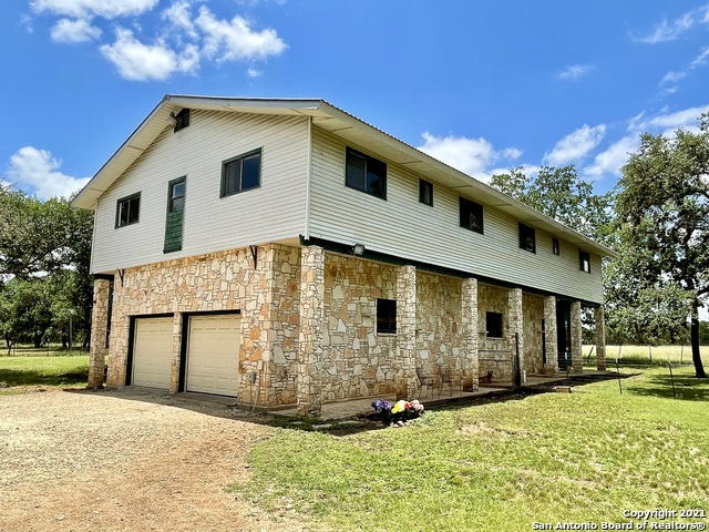 1375 River Trail Rd Property Photo 1