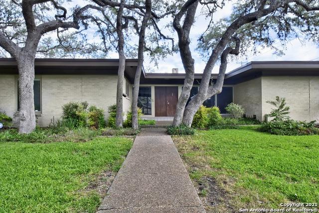 225 Carolwood Dr Property Photo 1
