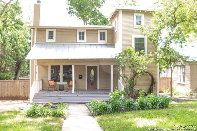 206 Circle St Property Photo 1