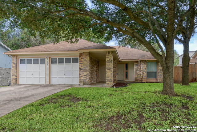 7915 Forest Crossing Property Photo 1