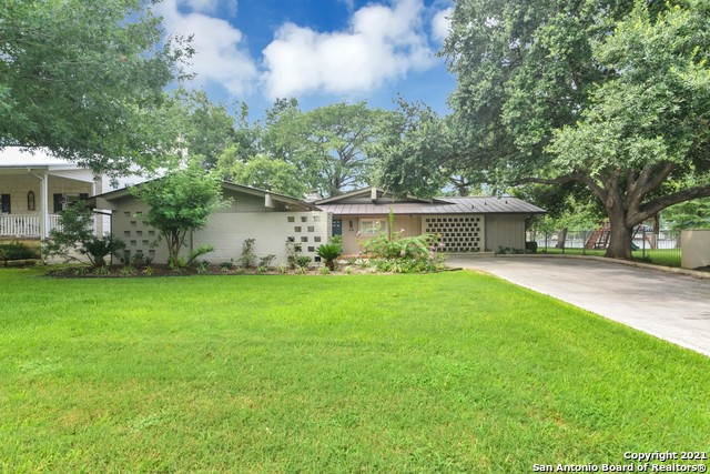 519 Admiral Benbow Ln Property Photo 1