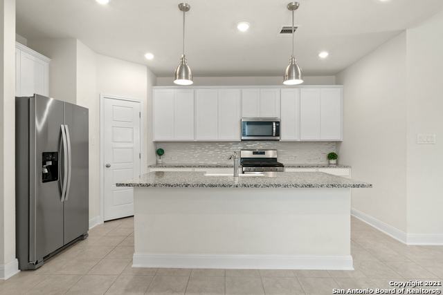 2302 CASTELLO WAY Property Picture 10