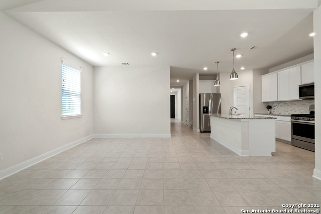 2302 CASTELLO WAY Property Picture 13
