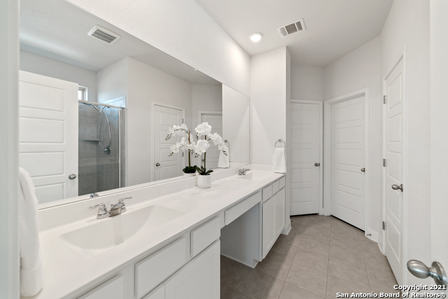 2302 CASTELLO WAY Property Picture 16