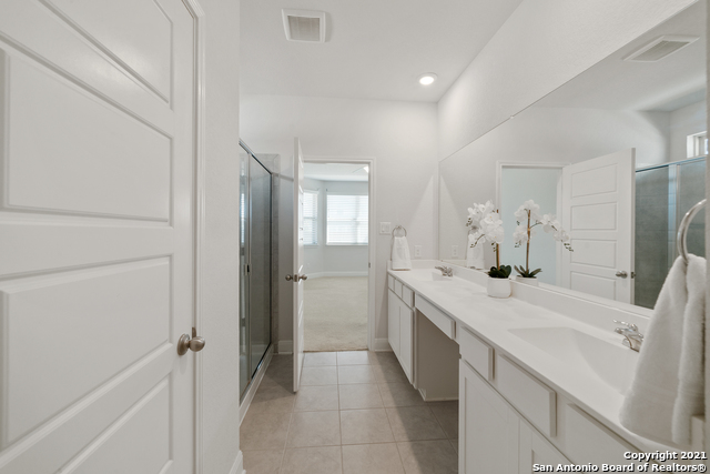 2302 CASTELLO WAY Property Picture 17