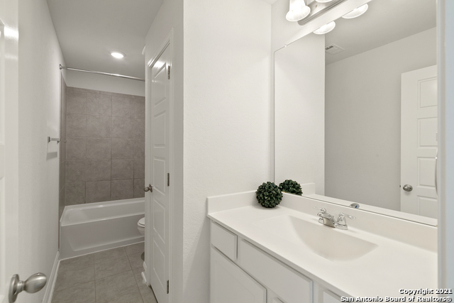 2302 CASTELLO WAY Property Picture 19