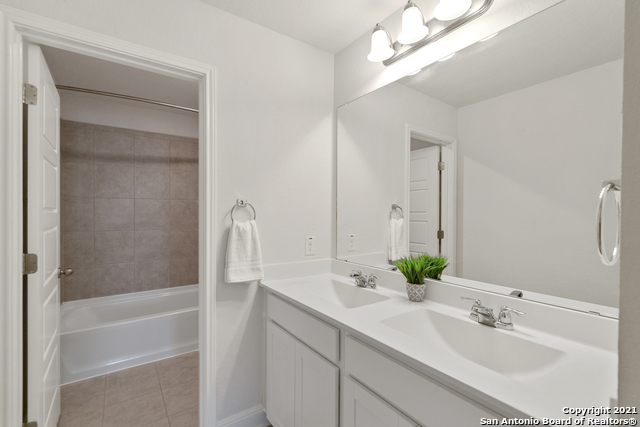 2302 CASTELLO WAY Property Picture 21