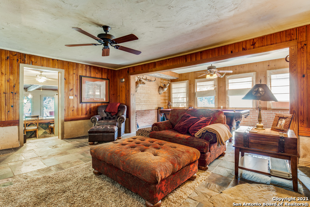8570 River Road Property Photo 13