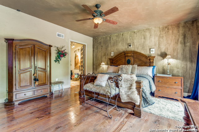 8570 River Road Property Photo 15