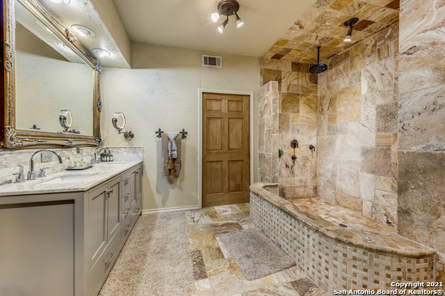 8570 River Road Property Photo 16