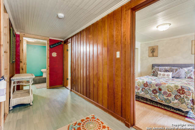 8570 River Road Property Photo 23
