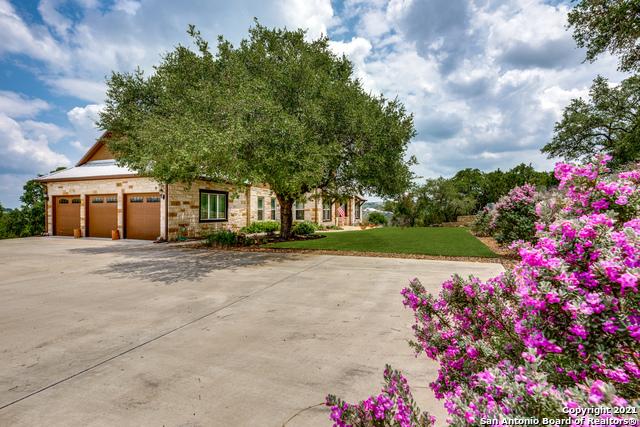 296 Flat Creek Property Photo 3