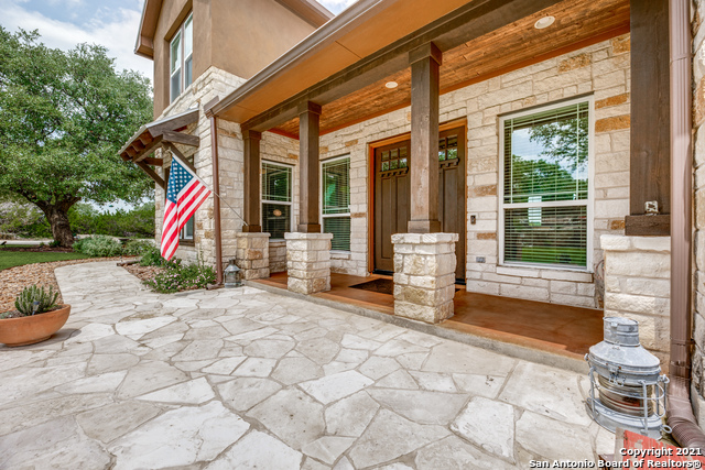 296 Flat Creek Property Photo 8