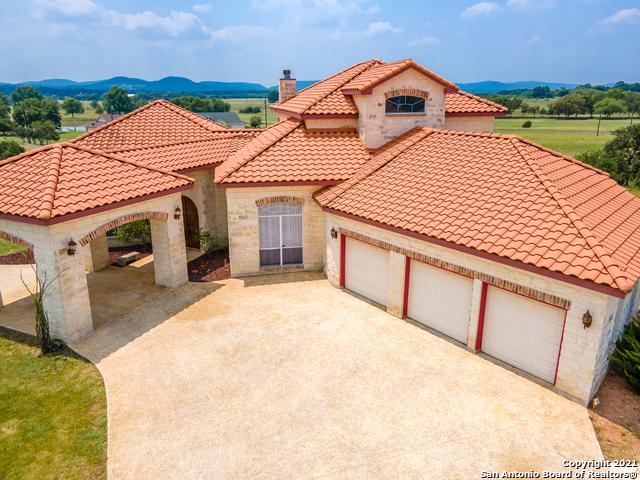 401 Woodview Cir Property Photo 1