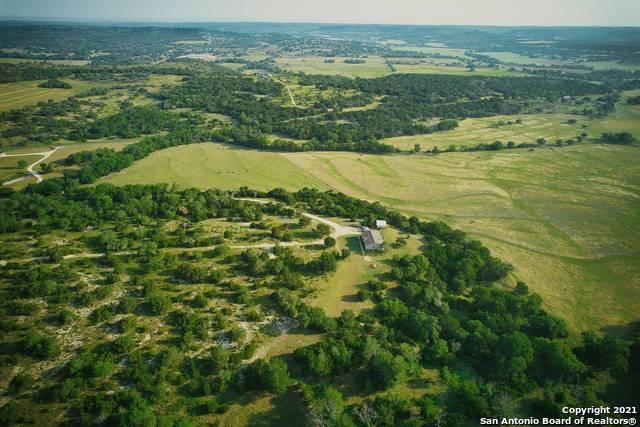 1261 Stoneleigh Rd Property Photo 1
