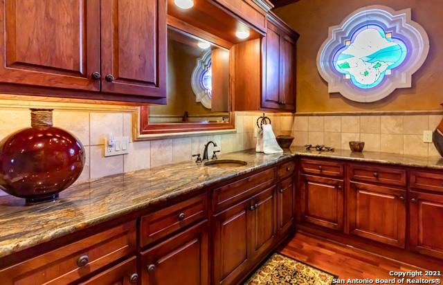 1717 Kc 450 Property Photo 22