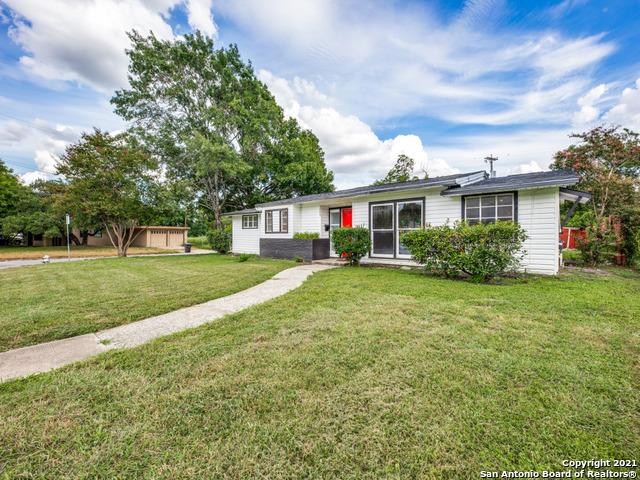 2602 W Summit Ave Property Photo 1