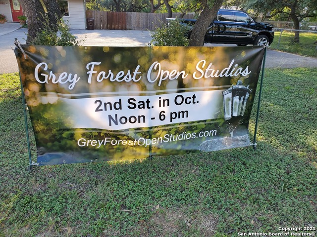 18605 Sherwood Trail Property Photo 1