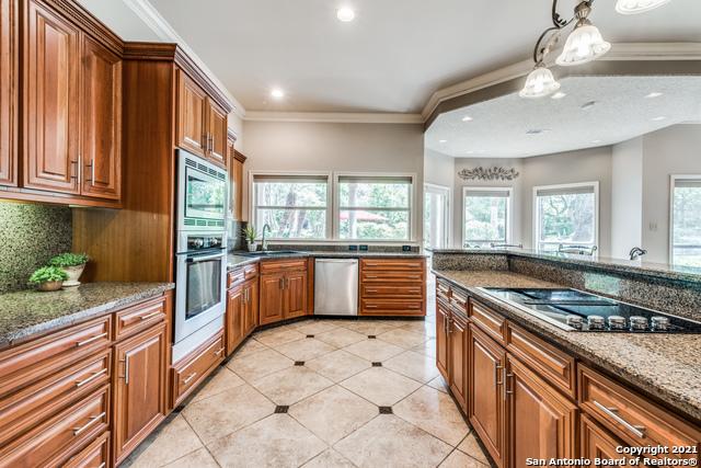 5 Mayborough Ln Property Photo 13