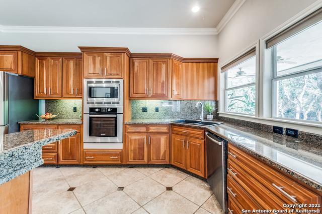 5 Mayborough Ln Property Photo 15