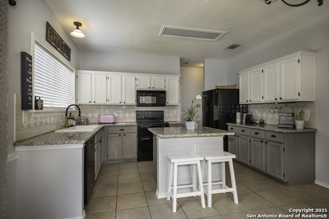 11514 Creek Crossing Property Picture 11