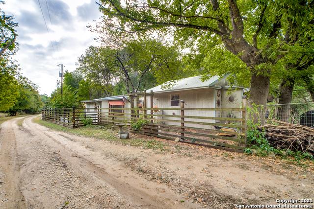 200 Daniel Rd E Property Photo 1