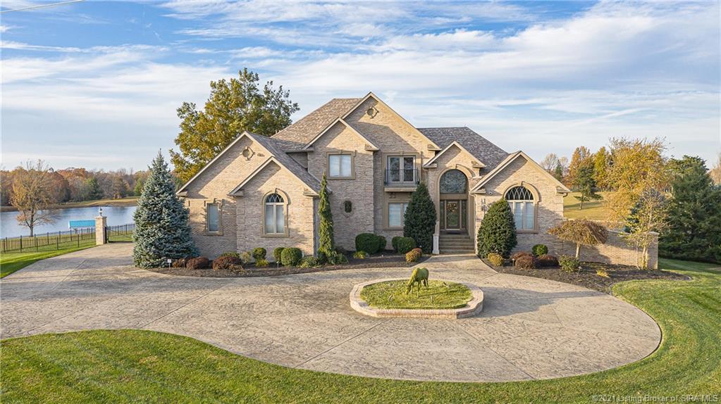 8625 N Skyline Drive Property Photo 1