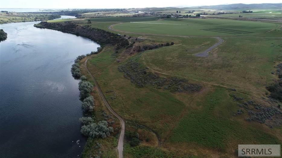 L2B3 Snake River Drive Property Photo