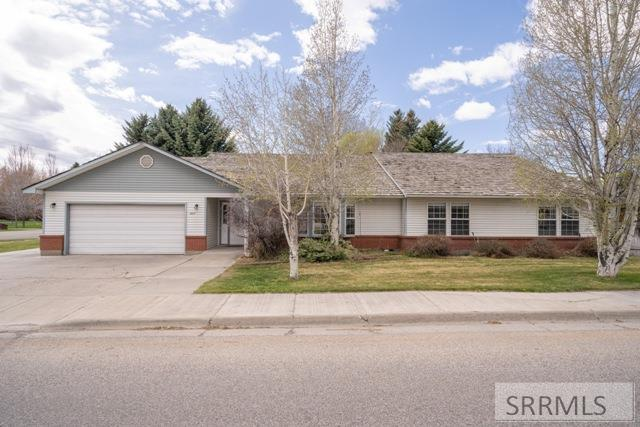 1664 S Bellin Road Property Photo
