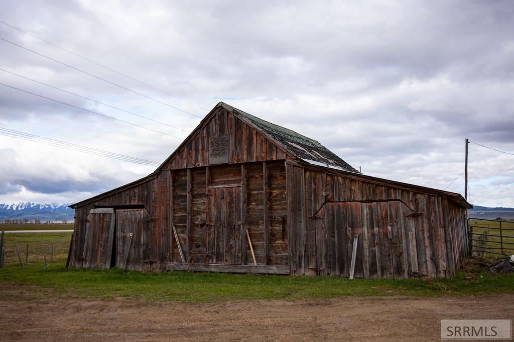 4230 W Hwy 33 Property Photo