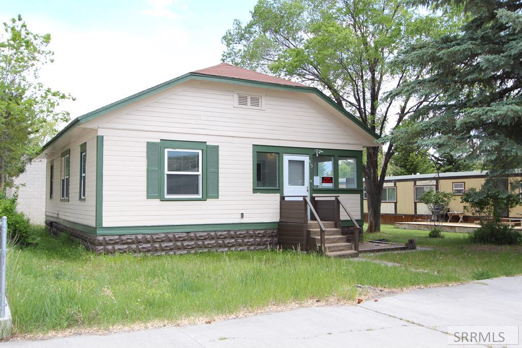 413 S Main Street Property Photo - MACKAY, ID real estate listing