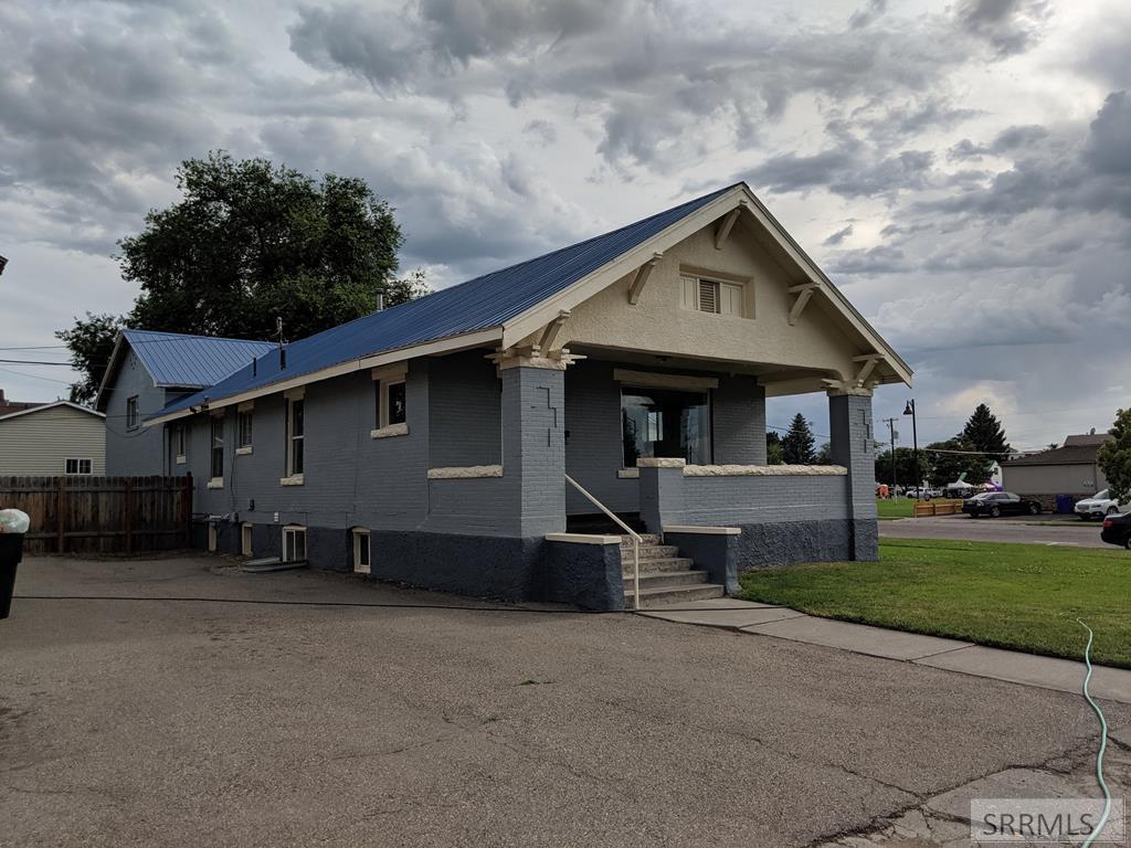 106 E 1 S Property Photo