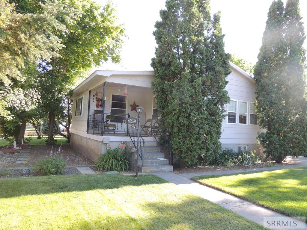 706 W 2nd S Property Photo - ST ANTHONY, ID real estate listing