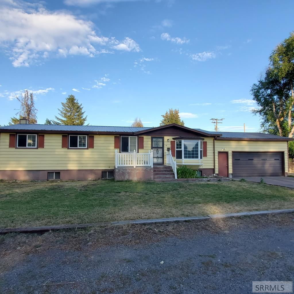 48 N 8th W Property Photo - ST ANTHONY, ID real estate listing