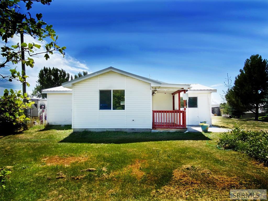 653 E 810 N Property Photo - BASALT, ID real estate listing