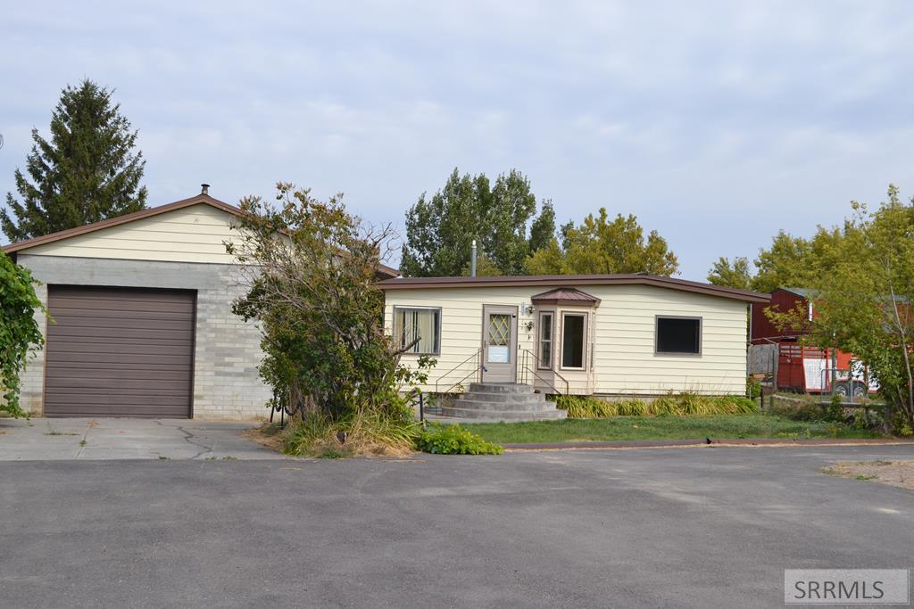 1092 E 780 N Property Photo - SHELLEY, ID real estate listing